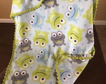 Frogs Fleece w/ Green Picot Crochet Border - 44'' x 29''