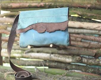 Tuli Egyptian blue shoulderbag