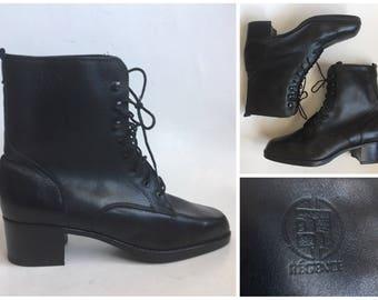 Vintage Régence Black Leather Lace Up Granny Boots size 9 Festival Boho Bohemian Hipster Americana Regence