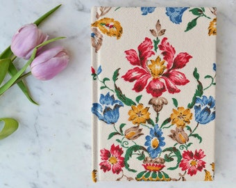 Vintage barkcloth covered notebook in bright design | Bark cloth notebook A5 | Vintage fabric journal | Backcloth A5 journal - blank pages