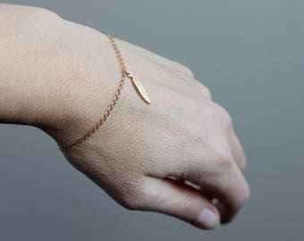 Feather Dainty Bracelet / Minimalist / Gold Filled - FREE DELIVERY*