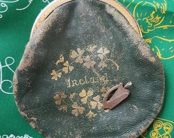 Instant Irish Holiday Pendant and Coin Purse 1974 Eire Ireland Harp