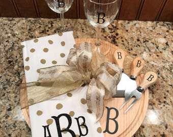 Personalized Cutting Board, Monogrammed Cutting Board, Cutting Board, Wedding Gift, Housewarming Gift, Christmas Gift,Monogrammed Dish Towel