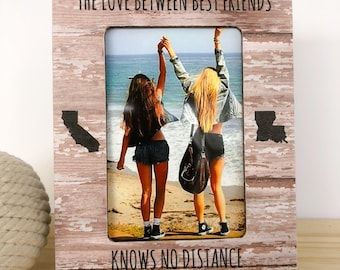 Long Distance Friendship GIFT Personalized Frame The Love Between Best Friends Knows no Distance Gift Long Distance Friend Frame