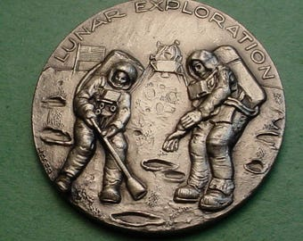 Space Medal Apollo 12  Nov 1969 Exploration Mint Cond. 32mm White Metal 32mm Minted in ITALY Low Mintage<># ET3469