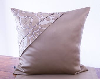 Elegance and style in gold, Cushion cover 50 x 50 cm