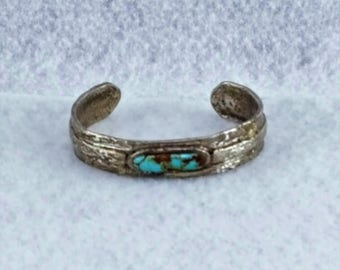 Silver and Turquoise braclet.