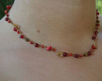Short necklace Choker with coral and starlets