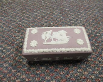 vintage Wedgwood Wedgewood trinket box HTF lilac with classical motif rectangular England