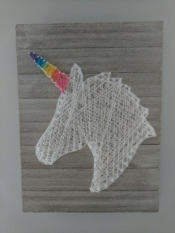 Unicorn with rainbow horn string art hanging sign - String art modele ...
