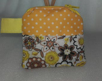 Coin purse zipper pouch.  Handmade item in yellow polka cotton/polycotton.
