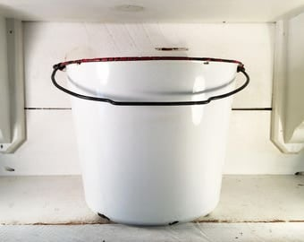 Large White and Red Trimmed Farmhouse Enamelware Bucket/Shabby Chic Extra Large White Enamelware Pail with Original Handle/Farmhouse Bucket