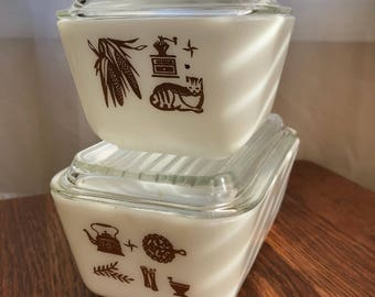 Vintage Pyrex with Early American Theme 0502 and 501
