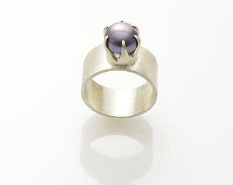 Princess White - Silver Ring with a lilac pearl