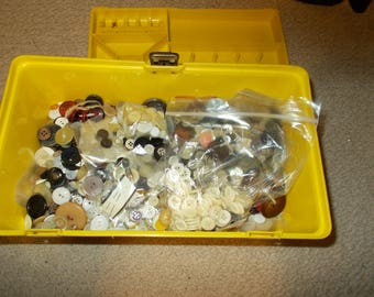 Sewing Box Full Of Vintage And New Buttons Over 1000 Weighs 4 1/2 Pounds Wood Metal Bakelite Plastic