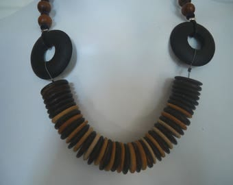 Ethnic wooden necklace