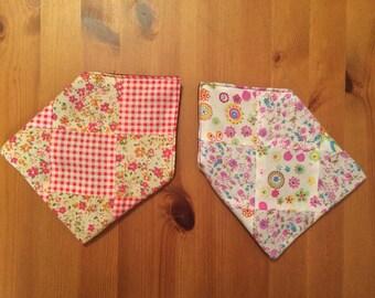 Handmade set of 2 Fabric Envelopes patterned fabric squares maroon lining