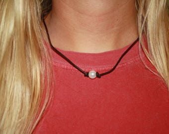 Pearl cord necklace