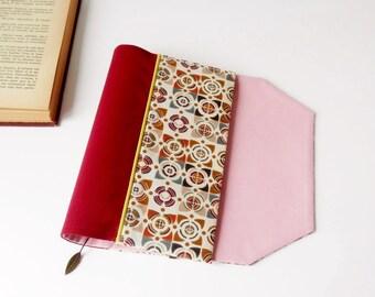 Protège-livre de poche en tissu ajustable avec marque-page (Tissu à motif graphique/ rouge_rose_multicolore)
