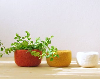 Felted wool bowls / Orange yellow and white / summer colors / Eco-friendly gift / desktop organizer / cabin decor