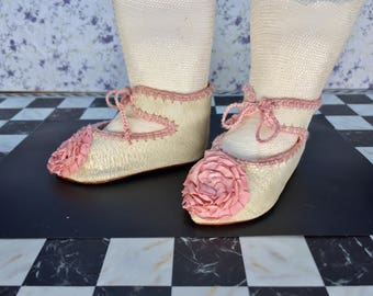 "Leather doll shoes 7,6 cm  -   3 "" French style for an antique doll white and pink ."