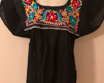 Mexican embroidered blouse S-M