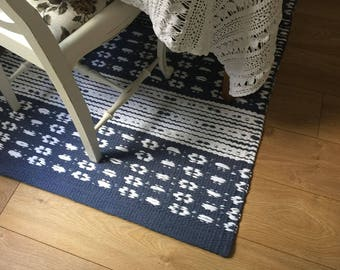 Blue and white contemporary Scandinavian design area rug, cotton rug runner, kitchen rug, handmade shabby rug, washable, woven on the loom.