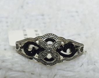 Women's New Beautiful Black and White Genuine Diamond Flower Ring