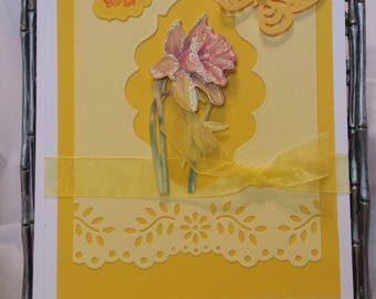 Delivering delicate hand crafted greeting cards for that added personal touch.