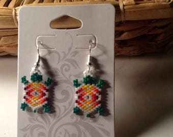 Native American beaded LUKSI (turtle) earrings . Made with delica beads.