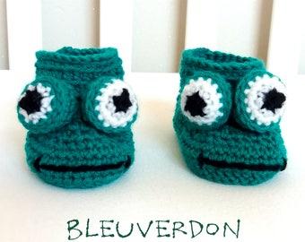 Baby booties frog crochet amigurumi