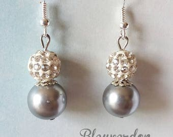 Earrings dangling white shamballa and Pearl gray