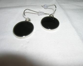 Black disk earrings