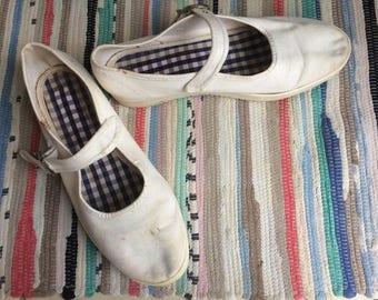 Vintage Marks & Spencers White Mary Jane Flat Ladies Shoes Size 5 UK