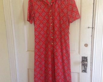Bleeker Street Division of Jonathan Logan Inc collared button up shirt dress short sleeve orange red navy blue white pattern July 4th 1970s