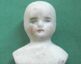 dollhouse doll shoulderplate head, bisque/vintage,antique/Thuringia