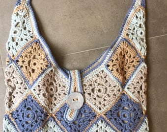 Beautiful crochet bag, lined with linen