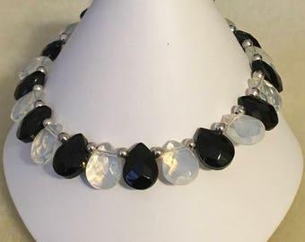 "Handmade black and white (clear) crystal teardrop beaded bracelet 7"""