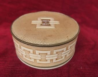 Boite à poudre ancienne Roger & Gallet Parfumeurs. Old powder box- pleine et scellée des années 40, parfumerie ancienne