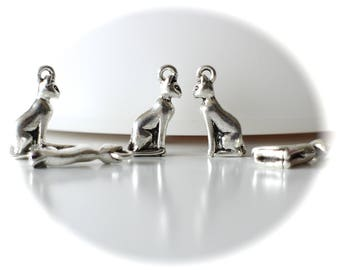 X 4 charms silver 3D sitting cat