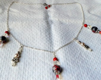 Red and black baroque necklace