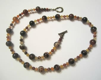 Bronze zoned agate and carnelian gemstones necklace