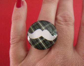 cabochons glass 25mm mustache ring