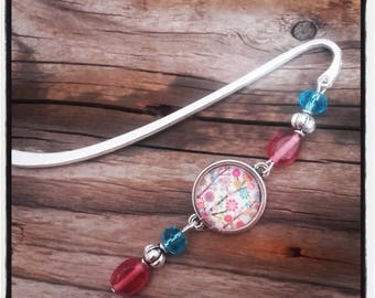Silver charm bookmark blue/pink beads and cabochon