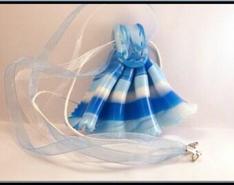 Blue Fimo fan necklace.