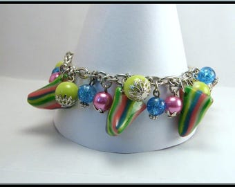 Bracelet candy multicolor carton and glass bead.