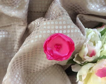 Flower 5 cm satin pink with pearls