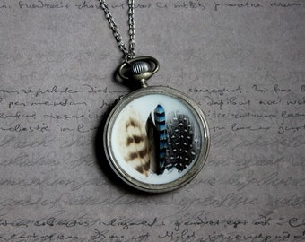 Necklace + genuine watch FOB (5cm), resin and feathers