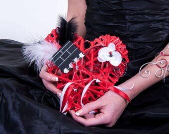 """CYNELIE"" on heart cushion rattan"