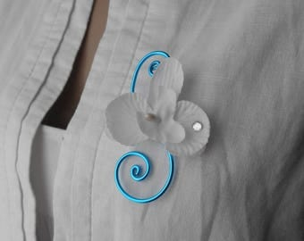 Junior boutonniere with white Orchid